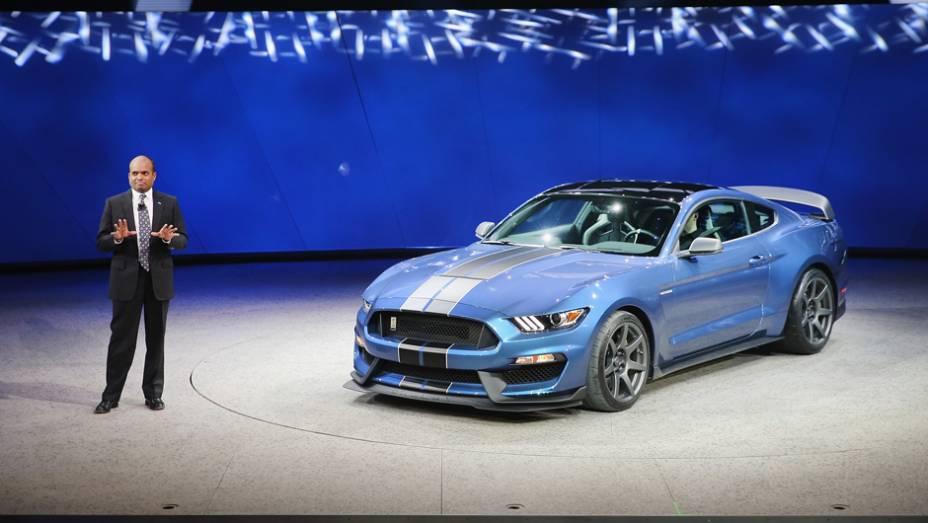 "Ford Mustang Shelby GT350 R| <a href=""http://quatrorodas.abril.com.br/noticias/saloes/detroit-2015/mustang-shelby-gt350r-lancado-pela-ford-824780.shtml"" rel=""migration"">Leia mais</a> | <a href=""http://quatrorodas.abril.com.br/galerias/saloes/detroit-2015/direto-detroit-pa"" rel=""migration""></a>"