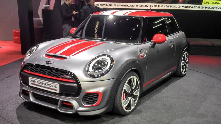MINI John Cooper Works: ainda um carro-conceito, a versão endiabrada do novo Mini passará facilmente dos 200 cv