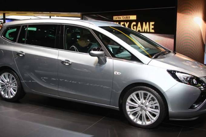 Opel: estande em Frankfurt