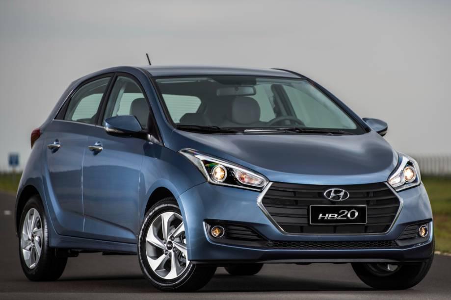 <strong>Hyundai HB20/HB20X/HB20S –</strong> A família HB20 passou por sua primeira mudança de estilo desde o lançamento, em 2012. Os câmbios manual e automático de seis marchas são novidade.