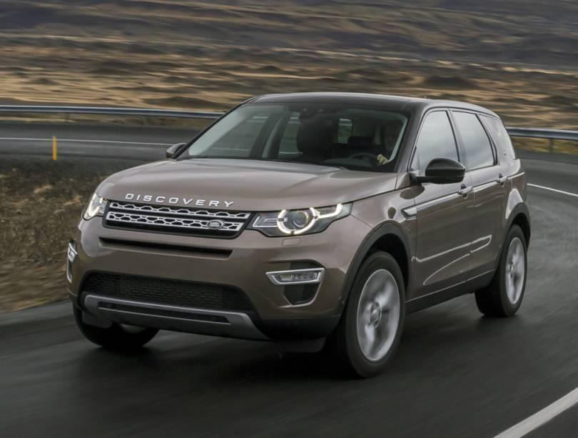 """<strong>Land Rover Discovery Sport</strong> – Substituto do Freelander, <a href=""""http://quatrorodas.abril.com.br/materia/discovery-sport-diesel-927143"""" rel=""""o Discovery Sport chegou ao Brasil no início de 2015"""" target=""""_blank"""">o Discovery Sport chegou ao Brasil no início de 2015</a>. Disponível inicialmente com motor 2.0 turbo, ganhou também um 2.2 turbo diesel de 190 cv."""