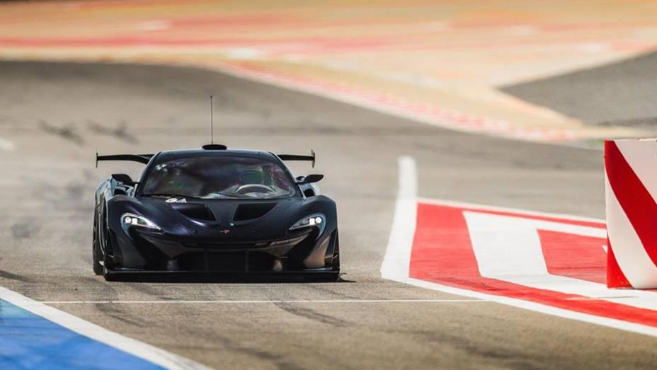 """Modelo de performance traz elementos oriundos da F1   <a href=""""http://quatrorodas.abril.com.br/noticias/fabricantes/mclaren-revela-gtr-p1-volante-f1-807366.shtmll"""" rel=""""migration"""">Leia mais</a>"""