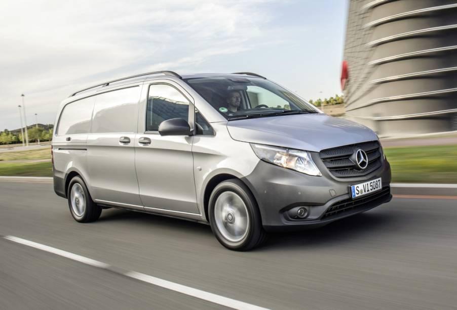 <strong>Mercedes-Benz Vito –</strong> Fechando o 2015 da Mercedes para o Brasil, o Vito chegou em versões para carga e para passageiros, podendo levar até sete ocupantes ou 6m³ e 1 225 kg úteis.