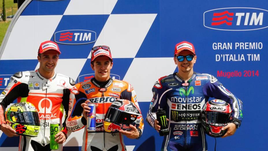 """Os três primeiros no grid de largada para a MotoGP em Mugello   <a href=""""http://quatrorodas.abril.com.br/moto/noticias/marc-marquez-mantem-regularidade-pole-mugello-784738.shtml"""" rel=""""migration"""">Leia mais</a>"""