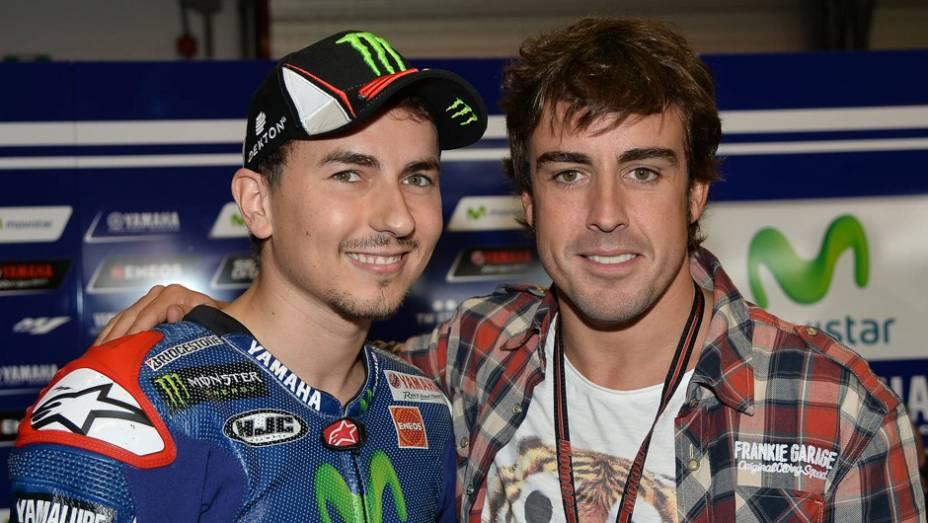 """Jorge Lorenzo e Fernando Alonso   <a href=""""http://quatrorodas.abril.com.br/moto/noticias/marc-marquez-mantem-regularidade-pole-mugello-784738.shtml"""" rel=""""migration"""">Leia mais</a>"""