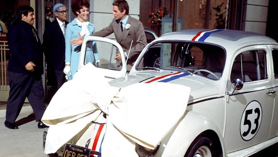 Primeiro filme do fusquinha de corrida Herbie, responsável por uma injeção singular de valor cultural na mitologia de um carro que fez do tempo o combustível do seu carisma.