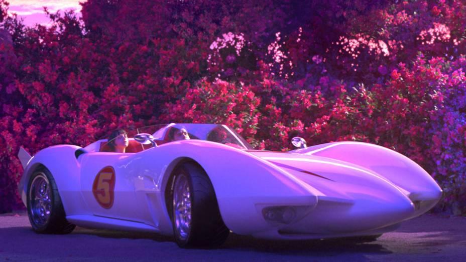 Transposição com atores para a tela grande da clássica animação japonesa da TV, o filme também tornou realidade o Mach 5 de corrida, entre outros carros criados para o filme.