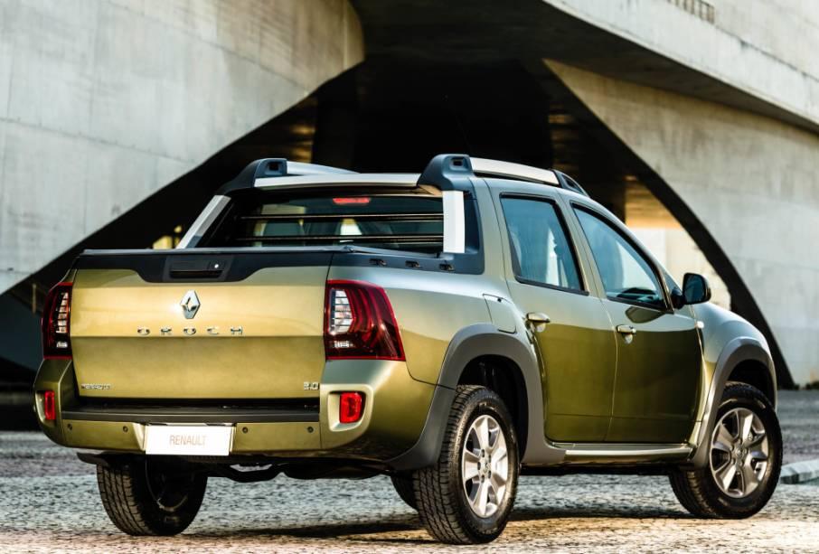 """<strong>Renault Duster Oroch</strong> – A<a href=""""http://quatrorodas.abril.com.br/materia/renault-duster-oroch-dynamique-2-0-16v-913002/ """" rel=""""a Oroch teve grande importância em 2015"""" target=""""_blank"""">Oroch teve grande importância em 2015</a>. Criação brasileira, a picape Duster criou um novo segmento intermediário, que será ocupado também pela aguardada Fiat Toro."""