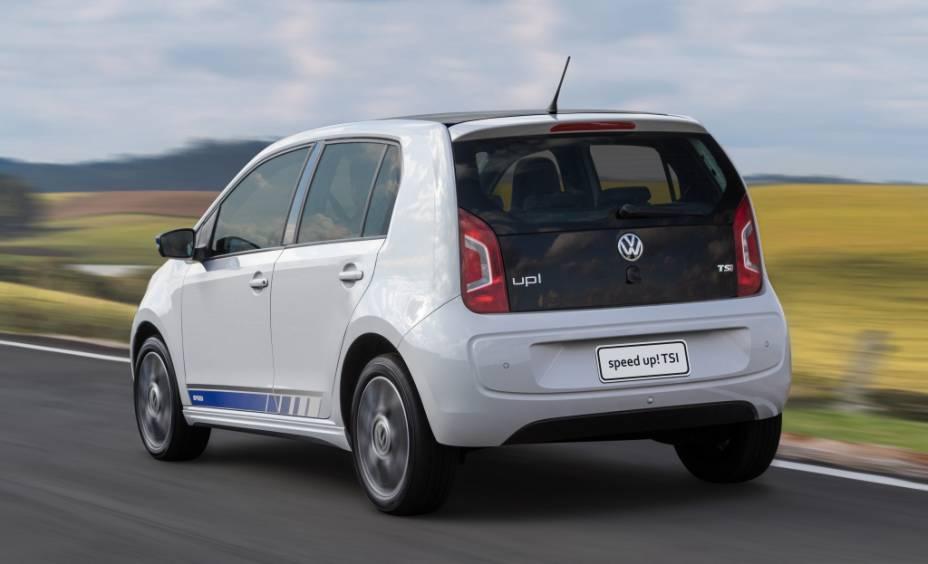 """<strong>Volkswagen Up! TSI</strong>– O Up! não é novidade no Brasil, <a href=""""http://quatrorodas.abril.com.br/materia/volkswagen-up-tsi-890180"""" rel=""""mas um motor 1.0 turbo sim"""" target=""""_blank"""">mas um motor 1.0 turbo sim</a>. O compacto alavancou suas vendas com o inédito motor, que rende 105 cv e é diversão (e economia) garantida."""