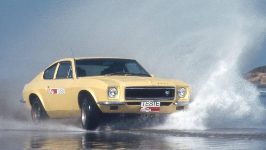 O novo modelo, baseado na mecânica seis-cilindros do Opala adota estilo inspirado nos muscle cars americanos. O chassi era próprio, já que o Opala adotava estrutura monobloco