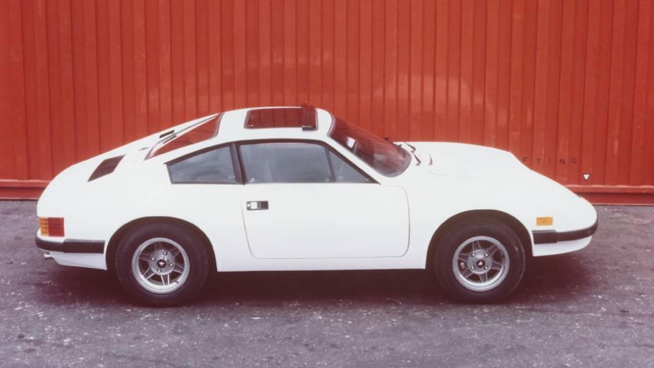 Em 1981 a Puma evoluiu o desenho do GTE com parachoques envolventes e lanternas envolventes de Brasília. O cupê passou a ser chamado de GTI (de Internacional)