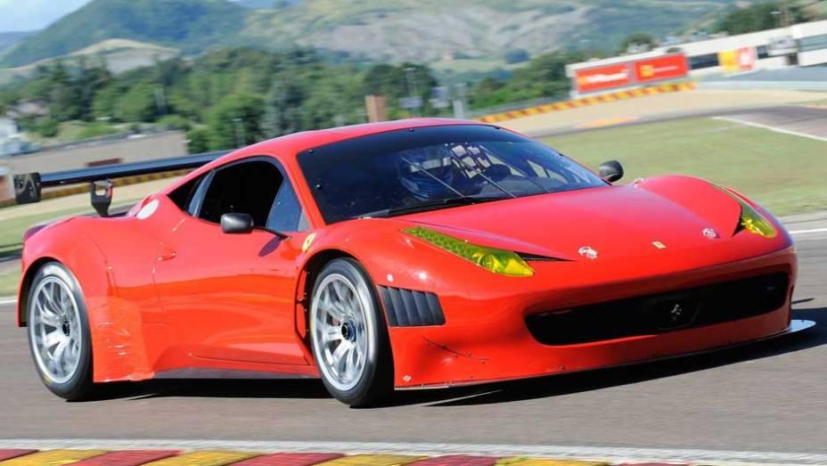 Modelo baseado na GT3 conta com motor V8 de 500 cv de potência
