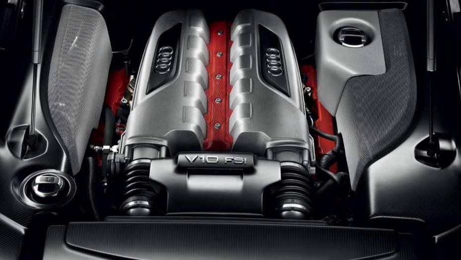 O motor 5.2 V10 rende incríveis 560 cv