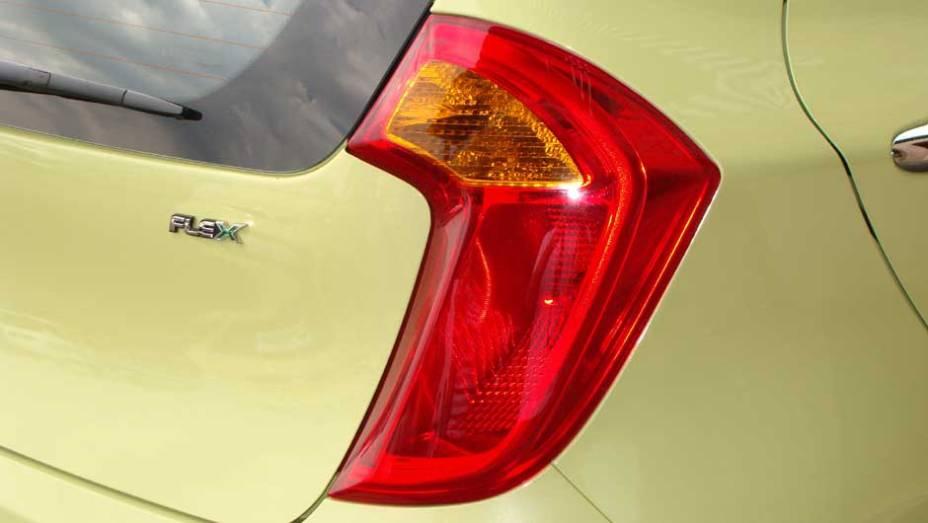 """O Picanto importado para o Brasil roda com etanol ou gasolina. <a href=""""http://quatrorodas.abril.com.br/carros/lancamentos/kia-picanto-637897.shtml"""" rel=""""migration"""">Leia mais</a>"""