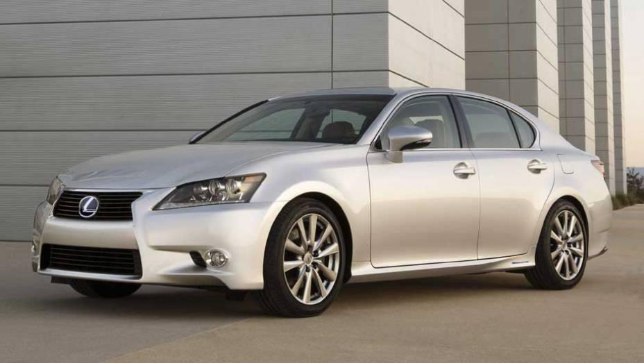 Propulsão é feita pela segunda geração do sistema híbrido da Lexus