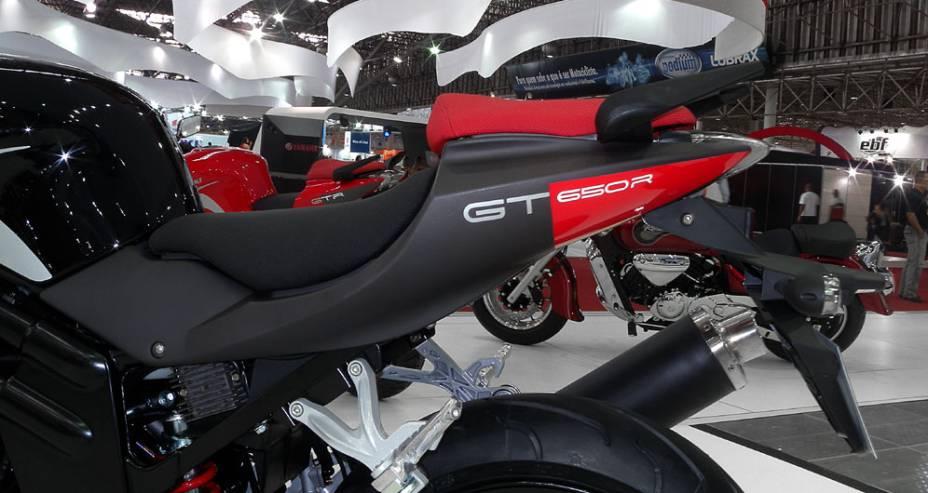 """Moto é a versão carenada da GT 650<a href=""""http://quatrorodas.abril.com.br/moto/noticias/kasinski-lanca-comet-gt-650-642081.shtml"""" rel=""""migration"""">Leia mais</a>"""