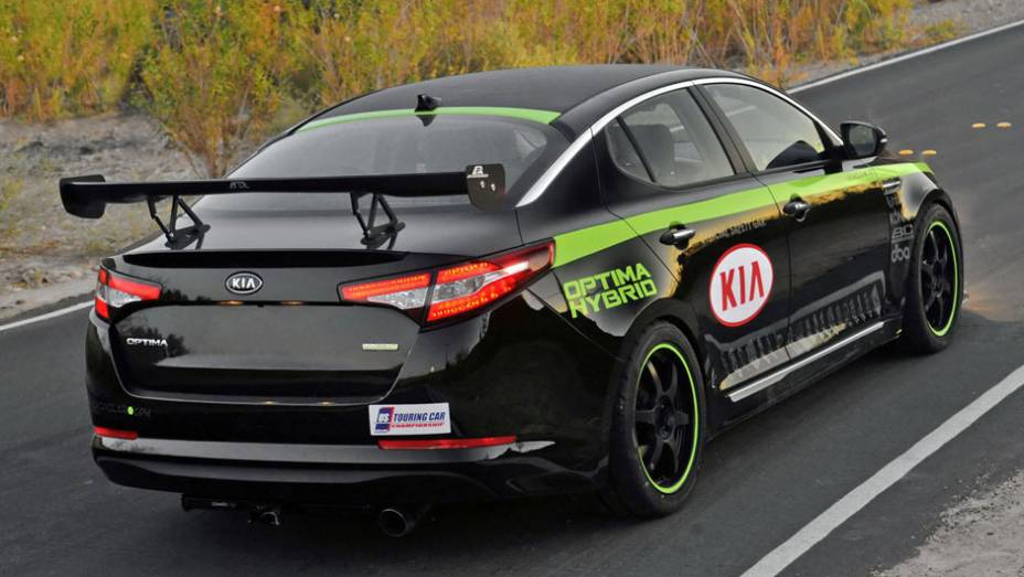 Kia Optima Hybrid Pace Car