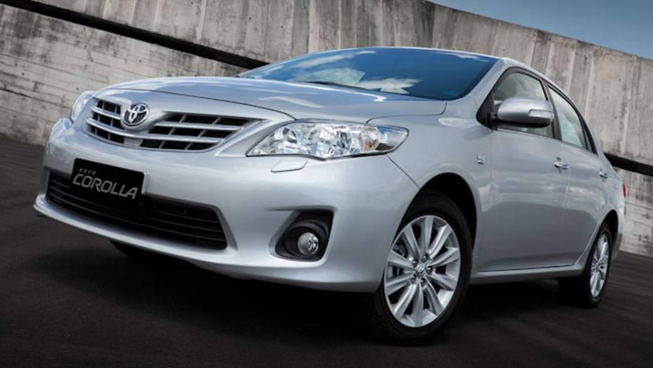 Na atual geração, a décima, o Corolla conta com novos equipamentos de série e acabamento interno aprimorado