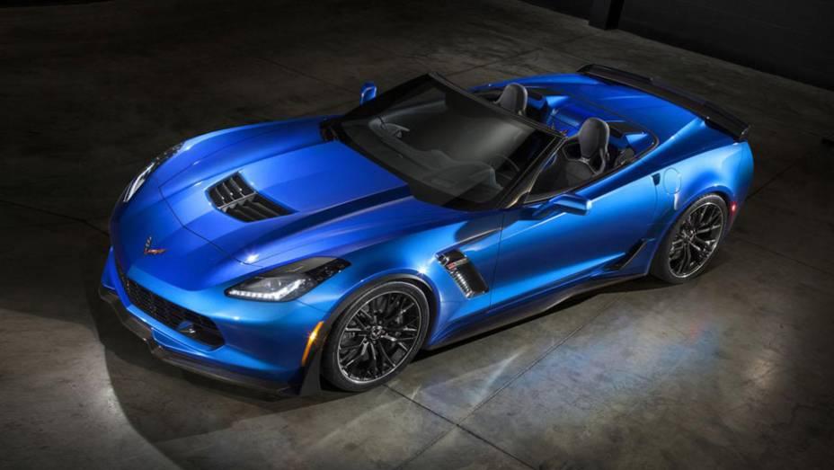 """Sem a capota, o modelo consegue ser ainda mais belo que o cupê   <a href=""""http://quatrorodas.abril.com.br/noticias/fabricantes/gm-revela-corvette-z06-conversivel-779627.shtml"""" rel=""""migration"""">Leia mais</a>"""