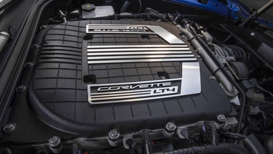 """O motor 6.2 V8 rende pelo menos 625 cv, nas palavras da própria marca   <a href=""""http://quatrorodas.abril.com.br/noticias/fabricantes/gm-revela-corvette-z06-conversivel-779627.shtml"""" rel=""""migration"""">Leia mais</a>"""