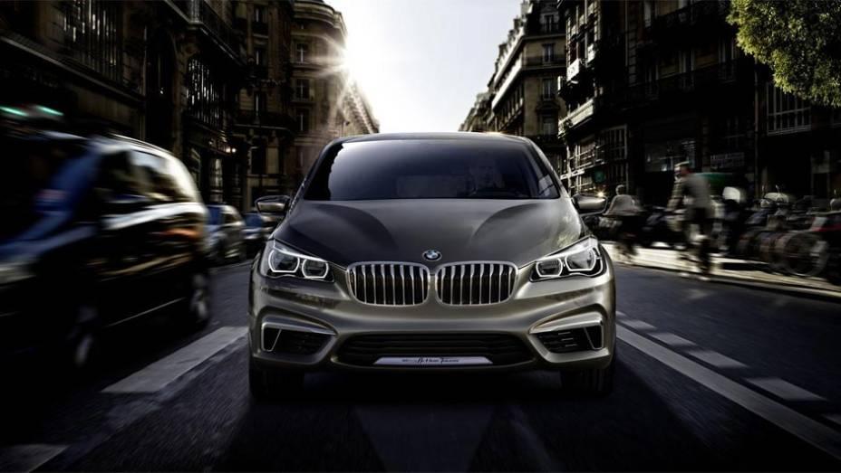 """BMW Concept Active Tourer   <a href=""""http://quatrorodas.abril.com.br/saloes/paris/2012/bmw-concept-active-tourer-702454.shtml"""" rel=""""migration"""">Leia mais</a>"""