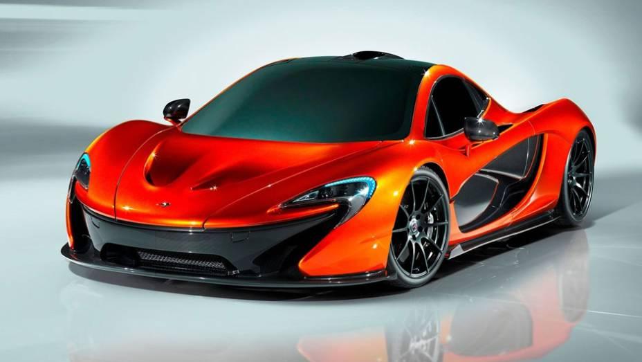 """A McLaren lançou o P1, supercarro que chega para substituir o tradicional F1.   <a href=""""%20http://quatrorodas.abril.com.br/saloes/paris/2012/mclaren-p1-702427.shtml"""" rel=""""migration"""">Leia mais</a>"""