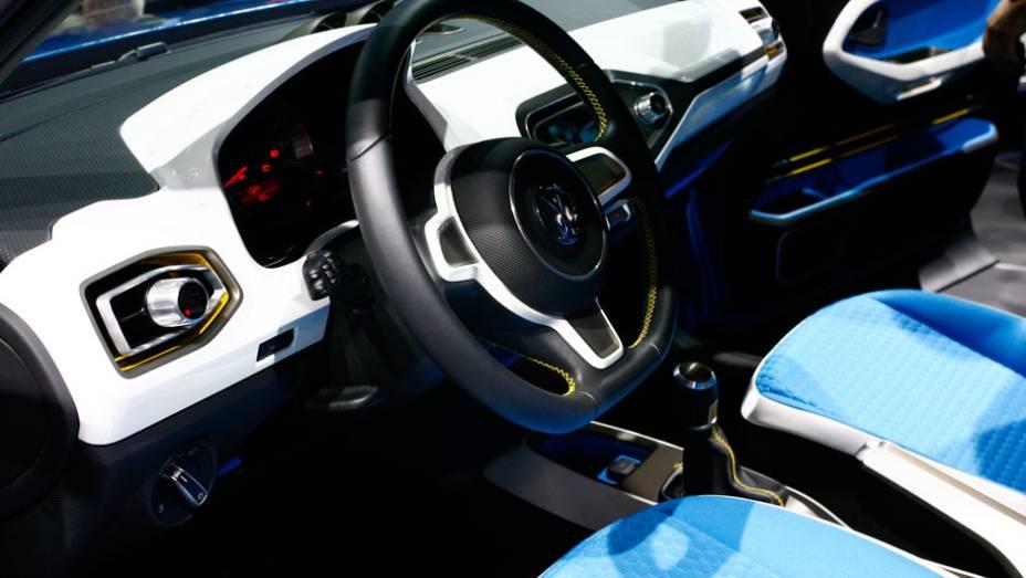 """Além de sistema de rádio-navegação, eletrônica do Taigun permite monitorar´óleo e pressão do turbo <a href=""""http://quatrorodas.abril.com.br/salao-do-automovel/2012/carros/taigun-708675.shtml"""" rel=""""migration"""">Leia mais</a>"""