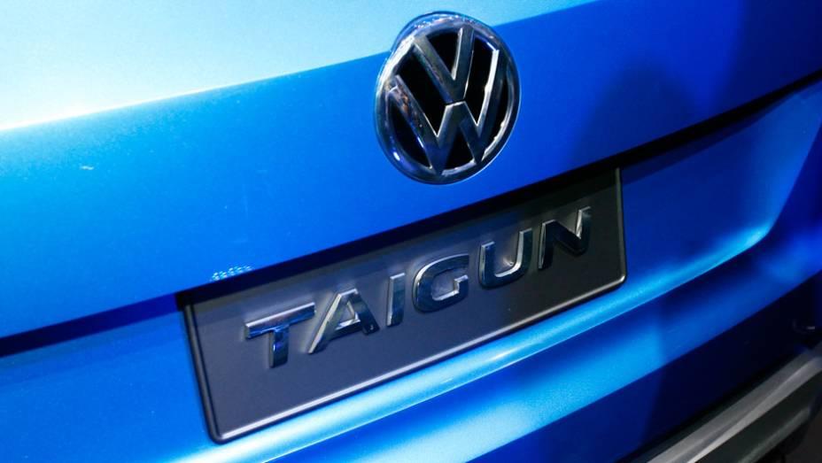 """A tampa traseira do bagageiro é bipartida <a href=""""http://quatrorodas.abril.com.br/salao-do-automovel/2012/carros/taigun-708675.shtml"""" rel=""""migration"""">Leia mais</a>"""