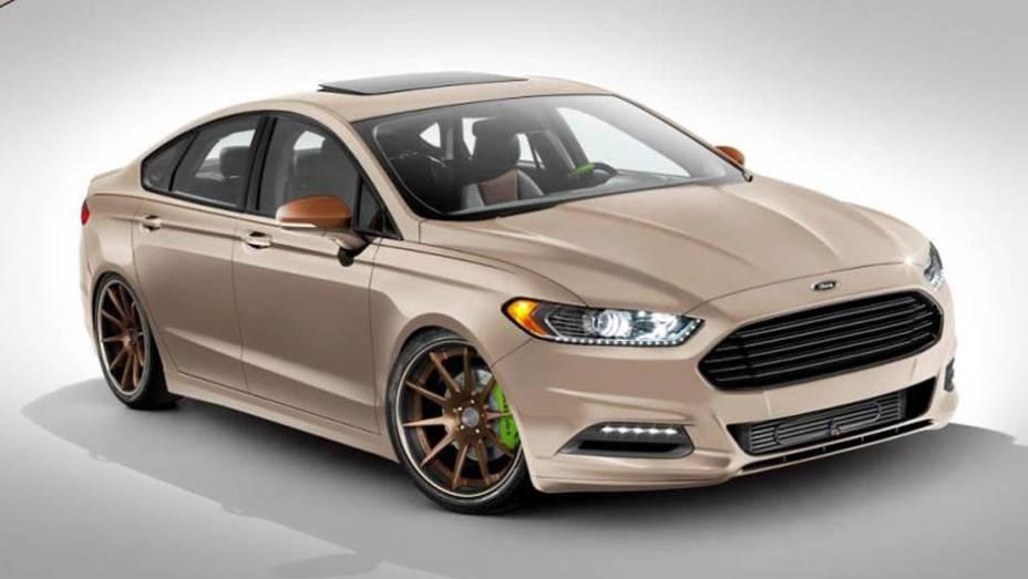 "A Ford também preparou quatro versões modificadas do Fusion. A unidade modificada pela Tjin Edition combina pintura customizada, novo body kit, upgrade na turbina, escapamento com saída lateral e rodas de aro 21"""