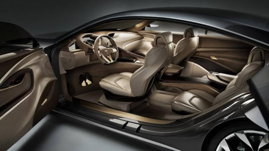 """Por dentro, o modelo conta com um painel de instrumentos posicionado abaixo do volante   <a href=""""http://quatrorodas.abril.com.br/saloes/detroit/2013/hyundai-hcd-14-genesis-730952.shtml"""" rel=""""migration"""">Leia mais</a>"""