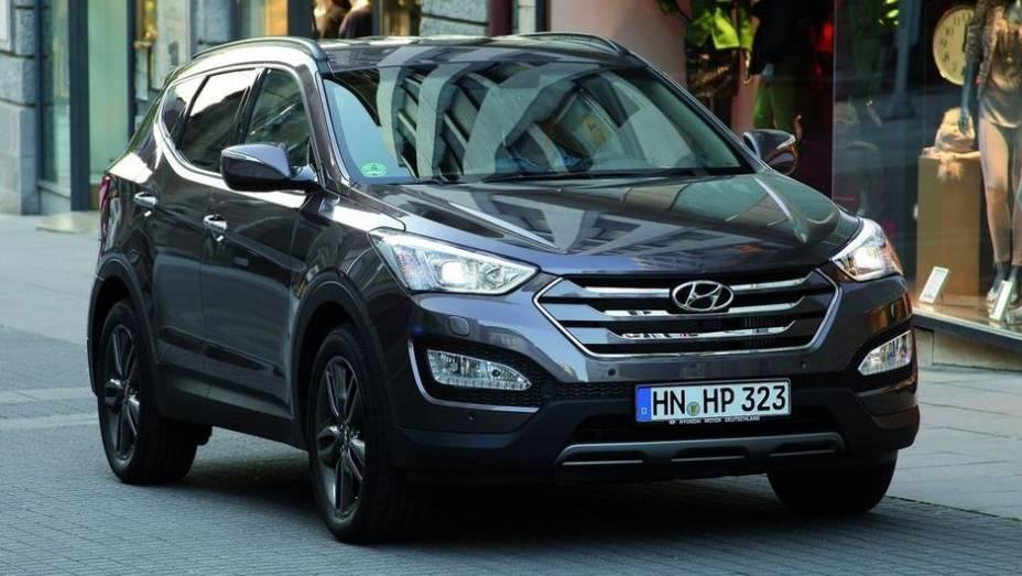 """UTILITÁRIO GRANDE - Hyundai Santa Fe   <a href=""""http://quatrorodas.abril.com.br/noticias/seguranca/euro-ncap-divulga-lista-carros-mais-seguros-2012-731866.shtml"""" rel=""""migration"""">Leia mais</a>"""