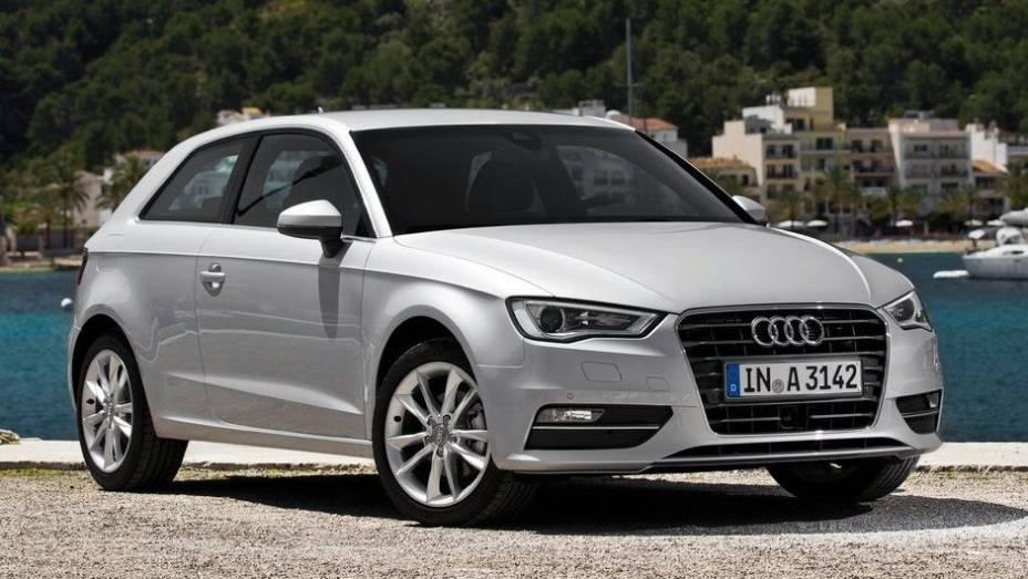 """CARRO DO ANO - Audi A3   <a href=""""http://quatrorodas.abril.com.br/noticias/mercado/finalistas-premio-carro-mundial-2013-sao-revelados-732525.shtml"""" rel=""""migration"""">Leia mais</a>"""