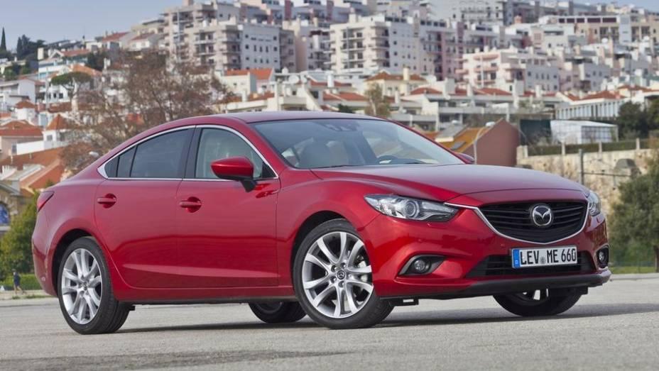 """CARRO DO ANO - Mazda6   <a href=""""http://quatrorodas.abril.com.br/noticias/mercado/finalistas-premio-carro-mundial-2013-sao-revelados-732525.shtml"""" rel=""""migration"""">Leia mais</a>"""