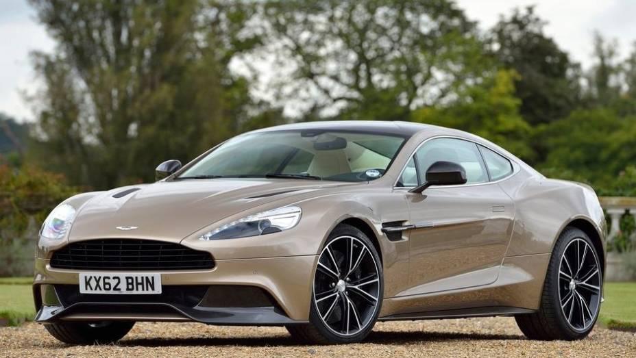 """CARRO DE PERFORMANCE - Aston Martin Vanquish   <a href=""""http://quatrorodas.abril.com.br/noticias/mercado/finalistas-premio-carro-mundial-2013-sao-revelados-732525.shtml"""" rel=""""migration"""">Leia mais</a>"""