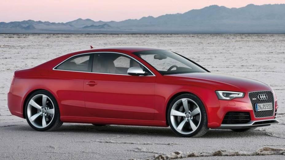 """CARRO DE PERFORMANCE - Audi RS5   <a href=""""http://quatrorodas.abril.com.br/noticias/mercado/finalistas-premio-carro-mundial-2013-sao-revelados-732525.shtml"""" rel=""""migration"""">Leia mais</a>"""