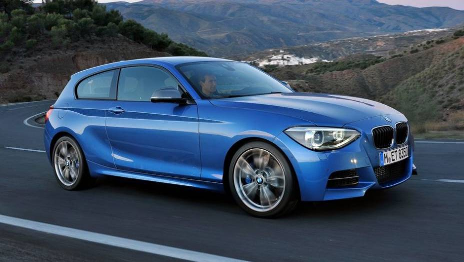 """CARRO DE PERFORMANCE - BMW M 135i   <a href=""""http://quatrorodas.abril.com.br/noticias/mercado/finalistas-premio-carro-mundial-2013-sao-revelados-732525.shtml"""" rel=""""migration"""">Leia mais</a>"""