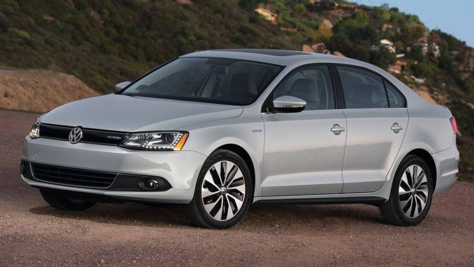 """CARRO """"VERDE"""" - Volkswagen Jetta Hybrid   <a href=""""http://quatrorodas.abril.com.br/noticias/mercado/finalistas-premio-carro-mundial-2013-sao-revelados-732525.shtml"""" rel=""""migration"""">Leia mais</a>"""