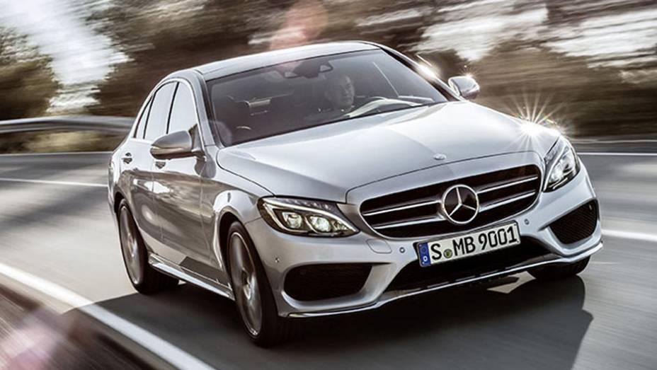 """Mercedes-Benz apresenta o novo Classe C   <a href=""""http://quatrorodas.abril.com.br/noticias/saloes/detroit-2014/mercedes-benz-apresenta-novo-classe-c-769335.shtml"""" rel=""""migration"""">Leia mais</a>"""