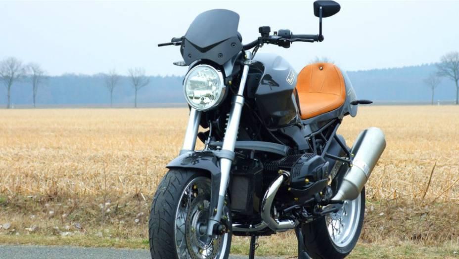 """Esta bela motocicleta alemã customizada ficou com um estilo Roadster bem moderno. <a href=""""http://quatrorodas.abril.com.br/moto/noticias/bmw-r1200-cr-t-customizada-metisse-734221.shtml"""" rel=""""migration"""">Leia mais</a>"""