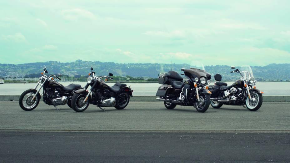 """Brasil ganha quatro modelos comemorativos dos 110 anos da Harley-Davidson. <a href=""""http://quatrorodas.abril.com.br/moto/noticias/harley-davidson-faz-110-anos-prepara-festa-734354.shtml"""" rel=""""migration"""">Leia mais</a>"""
