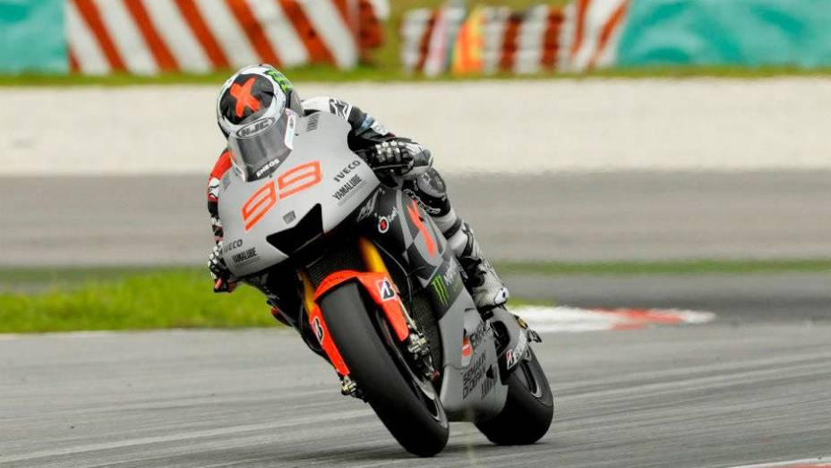 """Jorge Lorenzo (Yamaha Factory Racing Team) superou Dani Pedrosa (Repsol Honda Team) nesta quarta-feira (27). <a href=""""%20http://quatrorodas.abril.com.br/moto/noticias/motogp-lorenzo-supera-pedrosa-sepang-734732.shtml"""" rel=""""migration"""">Leia mais</a>"""
