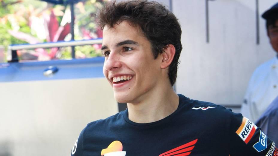 """O jovem piloto espanhol Marc Márquez (Repsol Honda Team) promete dar trabalho em 2013. <a href=""""http://quatrorodas.abril.com.br/moto/noticias/motogp-lorenzo-supera-pedrosa-sepang-734732.shtml"""" rel=""""migration"""">Leia mais</a>"""