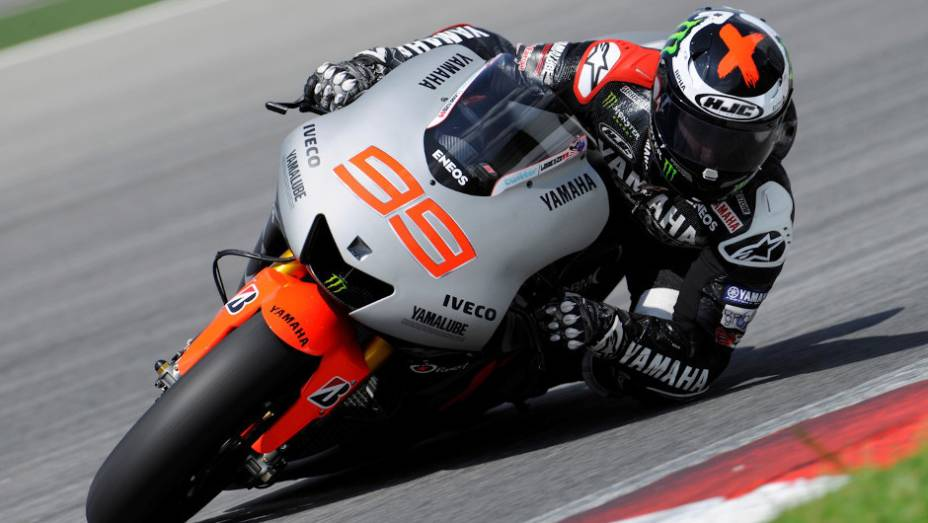 """Jorge Lorenzo (Yamaha Factory Racing Team) ficou em terceiro no último dia em Sepang, mas fez o melhor tempo dos testes na quarta-feira. <a href=""""%20http://quatrorodas.abril.com.br/moto/noticias/motogp-pedrosa-lidera-ultimo-dia-sepang-734820.shtml"""" rel=""""migration"""">Leia mai</a>"""