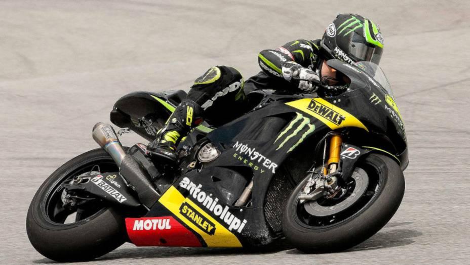 """Cal Crutchlow (Monster Yamaha Tech 3) ficou em sexto. <a href=""""http://quatrorodas.abril.com.br/moto/noticias/motogp-pedrosa-lidera-ultimo-dia-sepang-734820.shtml"""" rel=""""migration"""">Leia mais</a>"""