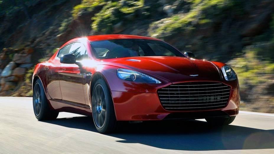 """A Aston Martin revelou o Rapide S   <a href=""""http://quatrorodas.abril.com.br/saloes/genebra/2013/aston-martin-rapide-s-2013-734925.shtml"""" rel=""""migration"""">Leia mais</a>"""