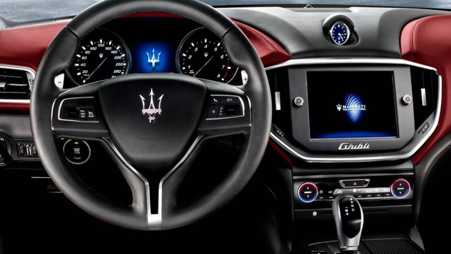 "Maserati Ghibli   <a href=""http://quatrorodas.abril.com.br/saloes/xangai/2013/maserati-ghibli-738641.shtml"" rel=""migration"">Leia mais</a>"