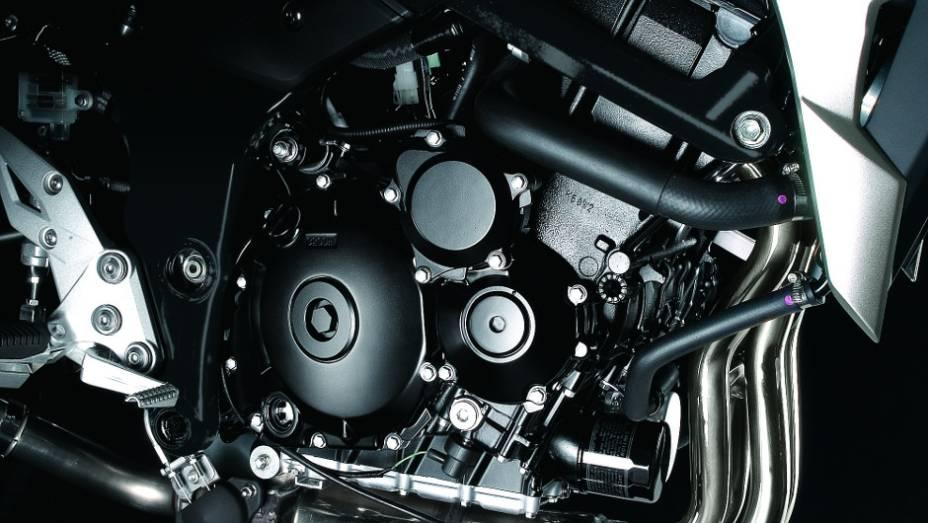 """Disponível nas cores azul, branca e preta, a Suzuki GSR 750 tem o preço público sugerido de R$ 36.990,00   <a href=""""%20http://quatrorodas.abril.com.br/moto/noticias/suzuki-anuncia-5-lancamentos-brasil-738290.shtml"""" rel=""""migration"""">Leia mais</a>"""