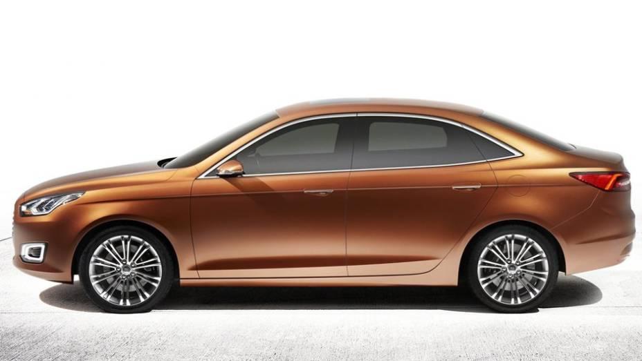 """O Escort Concept adota a mais recente linguagem de estilos da Ford, inspirados na grade dianteira cromada da Aston-Martin   <a href=""""%20http://quatrorodas.abril.com.br/saloes/xangai/2013/ford-escort-concept-739214.shtml"""" rel=""""migration"""">Leia mais</a>"""