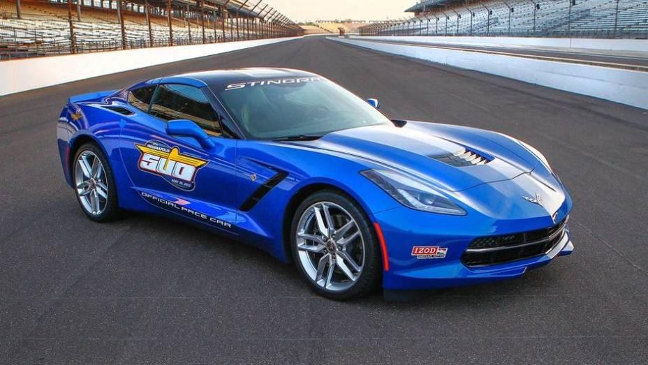 """A Chevrolet revelou nesta quinta-feira (2) que o Corvette Stingray será o Pace Car da 97ª edição das 500 Milhas de Indianápolis   <a href=""""%20http://quatrorodas.abril.com.br/noticias/fabricantes/chevrolet-corvette-stingray-sera-pace-car-indy-740349.shtml"""" rel=""""migration"""">L</a>"""