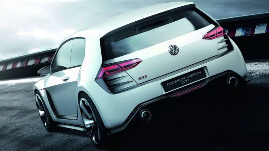 """De acordo com a montadora, é a versão mais radical do hatch já produzida desde o GTI W12, apresentado em 2007   <a href=""""%20http://quatrorodas.abril.com.br/noticias/fabricantes/vw-prepara-golf-design-vision-gti-concept-740746.shtml"""" rel=""""migration"""">Leia mais</a>"""